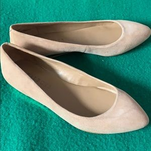 Talbots cream color flat with a little heel